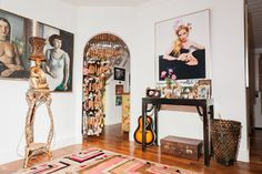 Betsey Johnson's house is exactly what you think it is: colorful and fabulous. Outdoor Patio Rooms, Suitcase Decor, Johnson House, Beach Cove, Cool Apartments, Fake Flowers, My Favorite Color, House Colors, Betsey Johnson