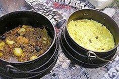 Kalahari Mince Curry with Yellow Rice Braai Recipes, Beef Steak Recipes, Spicy Recipes, Indian Food Recipes, Cooking Recipes, Curry Recipes, Vegan Recipes, South African Dishes, South African Recipes