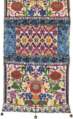 Sardinia, Bathroom Inspiration, Textures Patterns, Textile Design, Wood Crafts, Bohemian Rug, Weaving, Carpet, Textiles