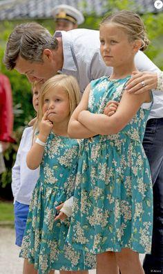 prince Frederik avec la princesse Isabella la princesse Joséphine et le prince Vincent