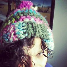 Multi color toque Crochet Hats, Knitting, Projects, Color, Log Projects, Colour, Tricot, Breien, Knitting And Crocheting