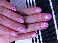 pink     http://ameblo.jp/taekoyoshioka/