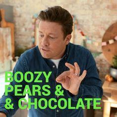 16K vind-ik-leuks, 225 reacties - Jamie Oliver (@jamieoliver) op Instagram: '🥃 + 🍐 + 🍫 + 🍨 + 🌰 = a delicious dessert that's quick and easy! My boozy pear & chocolate. This is…'