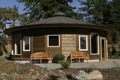 Why Small Homes Make Better Homes Small Round House – Inhabitat - Green Design, Innovation, Architecture, Green Building Dome House, House Roof, Round Building, Building A House, Green Building, Building Ideas, Yurt Home, Circular Buildings, Yurt Living