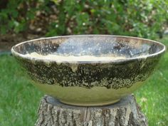 Stoneware bowl by Shelley Duncan