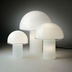 Les Champignons Illuminés Vintage Onfale Par Artemide   Designé Par Luciano  Vistosi Éclairage De Bureau,