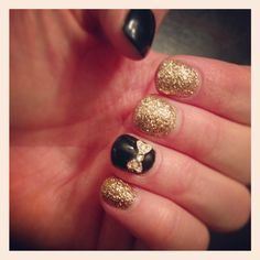 Nails with bows! Love these! Thanks April @bloomsalonaz #nails #nailswithbows