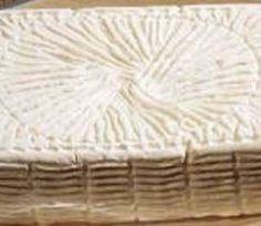 TOMA P.A.T. (BASILICATA) Formaggio grasso, fresco, a pasta semidura. Formaggio a produzione regionale, con latte di pecora o misto pecora-capra. Deve essere consumato fresco. La pasta è morbida, umida, di colore bianco.