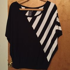 Woman's Black & White shirt Large Woman's Black & White Shirt Excellent Condition- worn a few times No tears No stains - Very Nice Shirt Chelsea & Theodore  Sweaters Crew & Scoop Necks