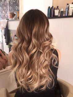 Golden balayage - hair в 2019 г. brunette hair, hair color и Brown Hair Balayage, Hair Color Balayage, Blonde Balayage, Hair Highlights, Hair Pictures, Hairstyles Pictures, Ombre Hair Color, Brunette Hair, Hairstyles Haircuts
