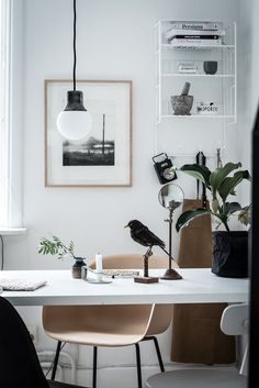 See more ideas about Home decor:__cat__, Home office decor and Home office design. Office Interior Design, Office Interiors, Home Interior, Interior Styling, Home Office Space, Home Office Decor, Home Decor, Office Ideas, Office Setup