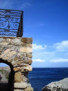My favourite balcony... Monemvasia, Greece.