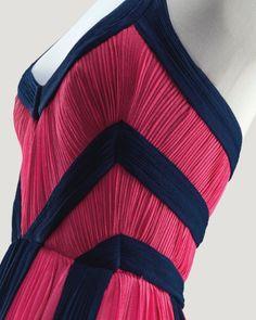 robe du soir en jersey de soie rose   Madame Gres pleats, pleats, and more pleats!