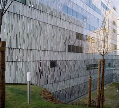 R.T.P. Television Studios in Lisbon, by FVArquitectos. Defining openings in glass and steel through the use of ceramic frit.