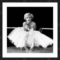 amazoncom marilyn monroe ballet dancer framed poster print 24x24 home kitchen