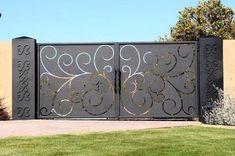 compound wall gate designs using cnc cutting Steel Gate Design, Front Gate Design, Main Gate Design, House Gate Design, Door Gate Design, Gate Designs Modern, Modern Fence Design, Front Gates, Entrance Gates