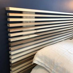 Slat Headboard Bed Headboard Design, Modern Headboard, Wood Headboard, Headboards For Beds, Headboard Ideas, Diy Home Decor Bedroom, Diy Home Decor On A Budget, Decor Diy, Fall Decor