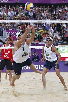 Folha de S.Paulo - Esporte - Alison e Emanuel perdem para alemães e levam prata no vôlei de praia - 09/08/2012