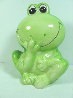 """Collectible Hand-painted Ceramic Frog Coin Bank - 4 1/4"""" Wide x 5"""" Tall"""