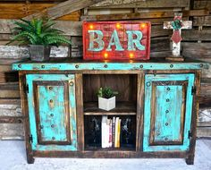 Western Furniture Turquoise Western Decor - Western Home Decor Living Room Western Furniture, Country Furniture, Distressed Furniture, Funky Furniture, Farmhouse Furniture, Repurposed Furniture, Furniture Projects, Furniture Making, Vintage Furniture