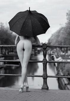 naked umbrella