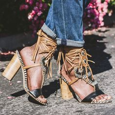 It's all in the details. || Shop the shoes: http://www.nastygal.com/product/sam-edelman-yates-leather-sandal?utm_source=pinterest&utm_medium=smm&utm_term=omg_shoes&utm_campaign=editorial