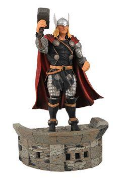 Amazon.com: Diamond Select Toys Marvel Select: Thor Action Figure: Toy: Toys & Games