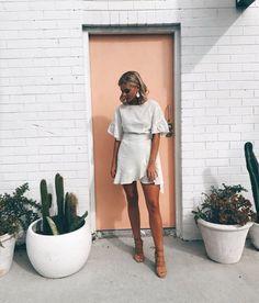 Style Fashion Tips .Style Fashion Tips Fashion Mode, Look Fashion, Fashion Outfits, Fashion Tips, Korean Fashion, White Fashion, 90s Fashion, Surf Fashion, Fashion Hacks