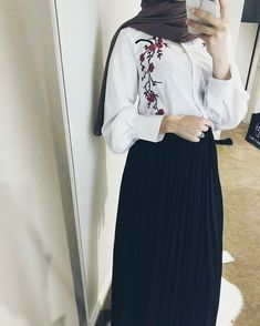 ZAFUL offers a wide selection of trendy fashion style women's clothing. Modest Wear, Modest Dresses, Modest Outfits, Skirt Outfits, Trendy Outfits, Islamic Fashion, Muslim Fashion, Modest Fashion, Fashion Outfits