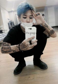 Where namjoon is getting bullied by six boys They have no idea that namjoon likes them. That causes namjoon lots of depression and suicidal thoughts. Namjoon, Taehyung, Hoseok, Seokjin, Jimin Hot, Jimin Jungkook, Bts Bangtan Boy, Punk Edits, Bts Edits