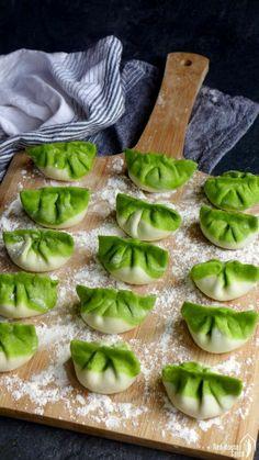 Veggie Recipes, Asian Recipes, Great Recipes, Vegetarian Recipes, Cooking Recipes, Healthy Recipes, Pan Fried Dumplings, Homemade Dumplings, Dumpling Recipe