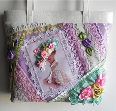 I ❤ crazy quilting & ribbon embroidery . . . stunning victorian lady purse. (translated) Beautiful needlework and embroidery with a crazy patchwork theme.