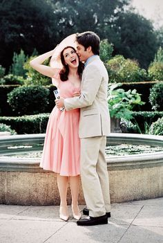 Anne Hathaway & Chris Pine // The Princess Diaries Royal engagement Awwww loves this scene :). i totally want to be anne hathaway right now! The Princess Diaries, Chris Pine Princess Diaries, Movies Showing, Movies And Tv Shows, Nicholle Tom, Pretty People, Beautiful People, Film Disney, Vintage Movies