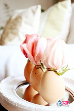 Easter home decor ideas - Egg Flower Vase - Пасхальные яйца, пасхальный декор, пасхальный стол, пасха diy Ostern Party, Diy Ostern, Easter Projects, Easter Crafts For Kids, Easter Ideas, Diy Projects, Egg Crafts, Bud Vases, Flower Vases