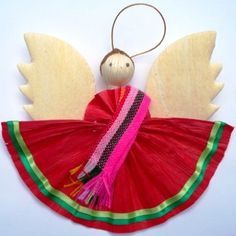 mexican christmas decorations -I bet I can figure out a way to make this with Issa. Christmas Tree Trimming, Christmas Tale, Christmas Angels, Xmas Tree, Mexican Christmas Decorations, Fiesta Decorations, Personalized Christmas Ornaments, Xmas Ornaments, Mexico Christmas