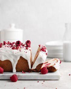 Raspberry Rose Yogurt Loaf Cake - Food Duchess Pavlova, Sweets Recipes, Cupcake Recipes, Mini Cakes, Cupcake Cakes, Cupcakes, Freeze Dried Strawberries, Gateaux Cake, Raspberry Cake