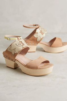 Farylrobin Juliet Clogs #anthrofave
