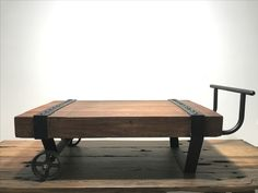Coffee table design by pomcraft