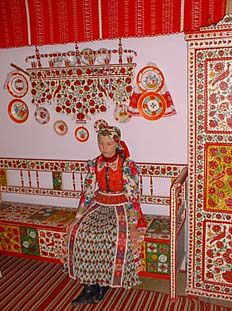 """Hungarian """"clean room"""" that shows off the best painted furniture and embroidery Folklore, My House In Budapest, Hungarian Women, Traditional Art, Traditional Fashion, Art Populaire, Hungarian Embroidery, Austro Hungarian, Folk Dance"""