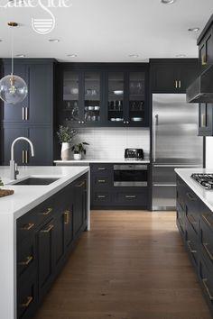 Kitchen Room Design, Living Room Kitchen, Kitchen Layout, Home Decor Kitchen, Interior Design Kitchen, Home Kitchens, Modern Kitchen Designs, Interior Modern, Black Kitchens