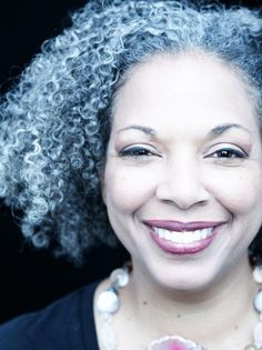 Gray/grey curls + flawless face. #NaturalHair #fro #afro
