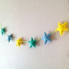 Felt garland, stars garland, felt banner, stars bunting - nursery decor - birthday decor - living room decor - childrens room decor €30.00  www.etsy.com/shop/poppenatelier