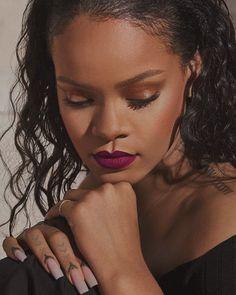 🌹🌹✨ by Fenty ⚓️ Estilo Rihanna, Rihanna Love, Best Of Rihanna, Rihanna Photos, Rihanna Riri, Rihanna Style, Rihanna Nails, Beyonce, Rihanna Makeup