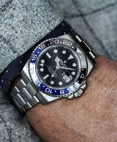 A wristwatch is a wrist watch designed to be carried or damaged through a person. Rolex Watches For Men, Luxury Watches For Men, Men's Watches, Stylish Watches, Cool Watches, Rolex Gmt Batman, Rolex Wrist Watch, Rolex Tudor, Rolex Gmt Master
