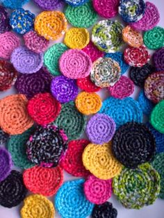 how many thinghs with plastic circle crochet?