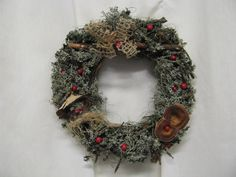 kukka syksyinen - Szukaj w Google Christmas Wreaths, Holiday Decor, Google, Home Decor, Crowns, Christmas Swags, Decoration Home, Holiday Burlap Wreath, Interior Design