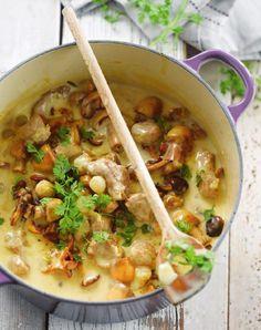 """Het lekkerste recept voor """"Kalfsblanquette met champignons"""" vind je bij njam! Ontdek nu meer dan duizenden smakelijke njam!-recepten voor alledaags kookplezier!"""