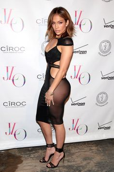 Pin for Later: Jennifer Lopez feiert ihren 46. Geburtstag mit dem heißesten Outfit