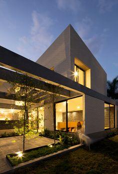 Gallery of Zirahuén House / Intersticial Arquitectura - 17