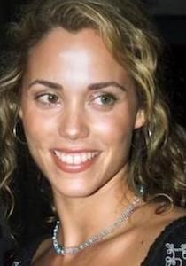 Elizabeth Berkley Plastic Surgery Before and After - www. Elizabeth Berkley Plastic Surgery Before and After - www. Elizabeth Berkley, Jessie Spano, Body Plastic Surgery, Celebrity Plastic Surgery, Dermal Fillers, Young Actresses, Beauty Hacks, Beauty Ideas, Face And Body